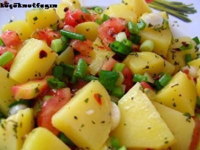 Ezme Patates Salatası, Ezme Patates Salatası Tarifi, Resimli Oktay Usta Ezme Patates Salatası Tarifi Yapılışı