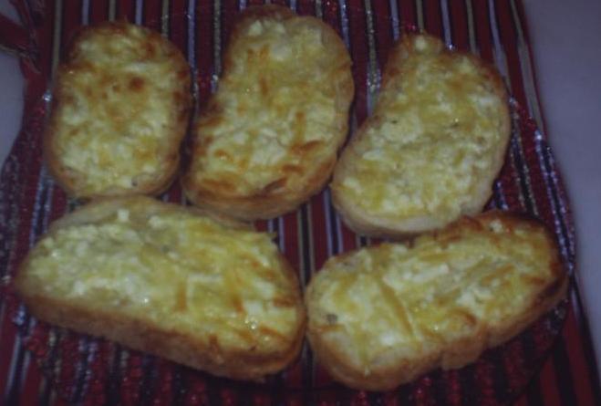 Yumurtalı Ekmek, Yumurtalı Ekmek Tarifi, Resimli Oktay Usta Yumurtalı Ekmek Tarifi Yapılışı