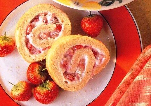 Çilekli Rulo Pasta Tarifi, Çilekli Rulo Pasta Tarifi, Resimli Oktay Usta Çilekli Rulo Pasta Tarifi Yapılışı