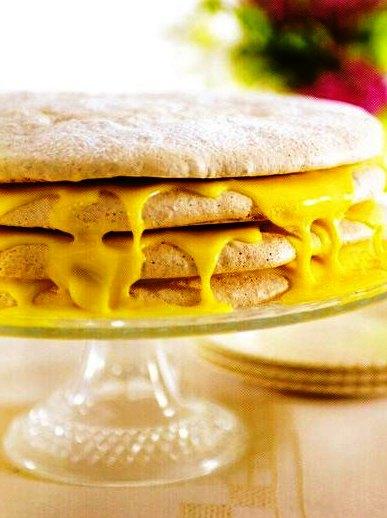 Zencefilli Limonlu Beze Pastası Tarifi, Zencefilli Limonlu Beze Pastası Tarifi, Resimli Oktay Usta Zencefilli Limonlu Beze Pastası Tarifi Yapılışı