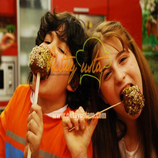 Çikolatalı Elma Şekeri Tarifi, Çikolatalı Elma Şekeri Tarifi, Resimli Oktay Usta Çikolatalı Elma Şekeri Tarifi Yapılışı