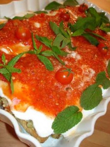 Ekmekli Sebze Salatası, Ekmekli Sebze Salatası Tarifi, Resimli Oktay Usta Ekmekli Sebze Salatası Tarifi Yapılışı