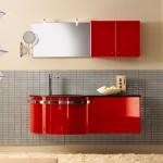 Kırmızı Parlak Banyo Dolap Ornegı