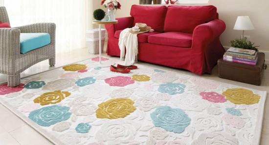 Pastel tonlarda gül desenli şık Kaşmir halı modeli