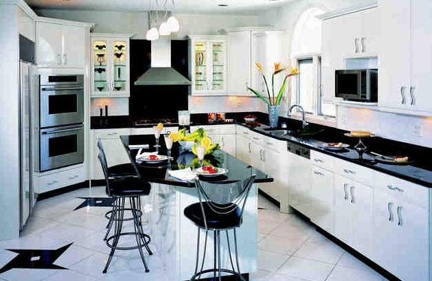 Siyah ve beyaz mutfak modeli çeşitleri