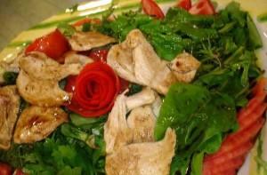 Tavuklu Yeşil Salata, Tavuklu Yeşil Salata Tarifi, Resimli Oktay Usta Tavuklu Yeşil Salata Tarifi Yapılışı