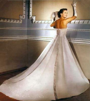 Yeni Moda Straptes Gelinlik Modelleri