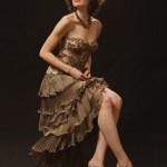 İşlemeli kahverengi abiye elbise modeli