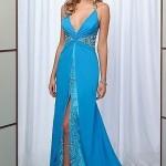 Göğüs dekolteli mavi abiye elbise modeli