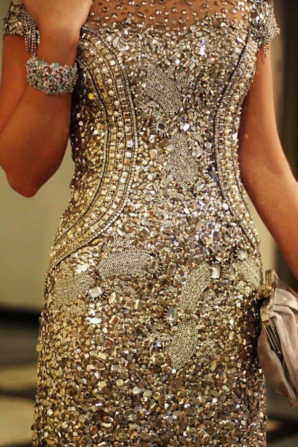 Taş işlemeli abiye elbise tasarımı
