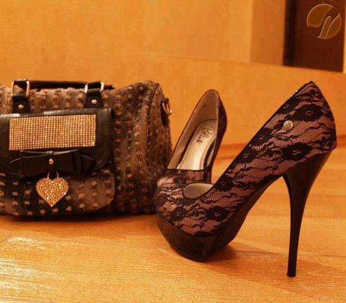 Bayan Siyah Dantelli Ayakkabı Modelleri