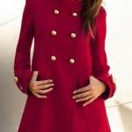 kırmızı kaşe uzun bayan manto modeli