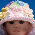 renkli çiçekli boncuklu kız çocuk bere modeli