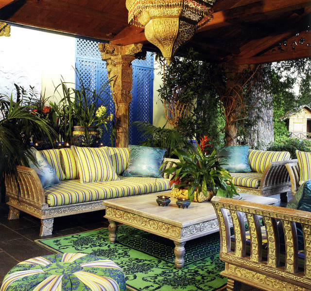 Marvellous-Green-Themes-in-Mediterranean-Patio-Exterior-Design-Furnished-Light-Green-Gray-Striped-Bedding-Outdoor-Sofa
