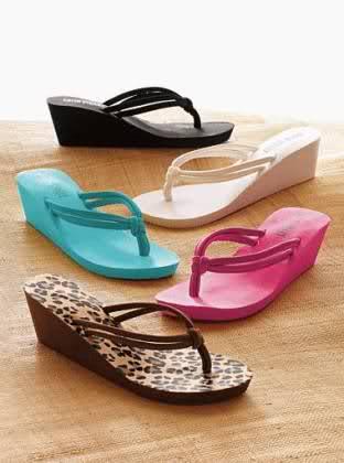 Bayan Plaj Terliği ve Plaj Sandalet Modelleri
