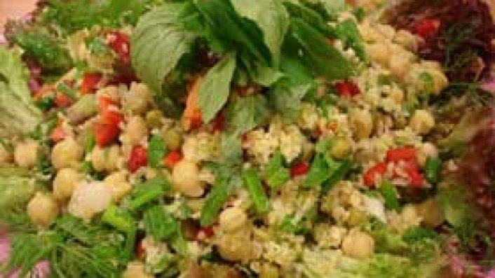 Bulgurlu Nohut Salatası
