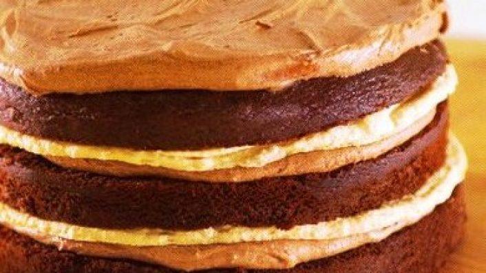 Çikolatalı Bademli Beze Pastası