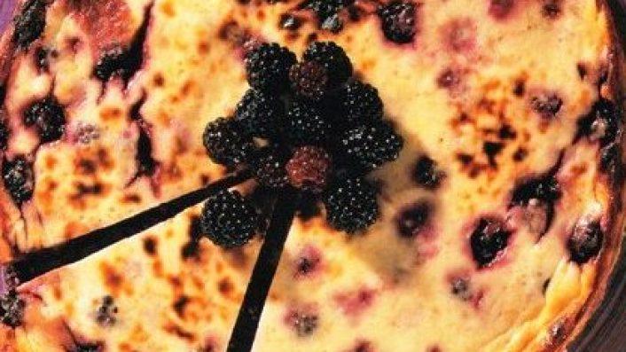 Fırınlanmış Böğürtlenli Cheesecake